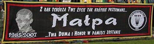 korona_kielce_flaga_malpa